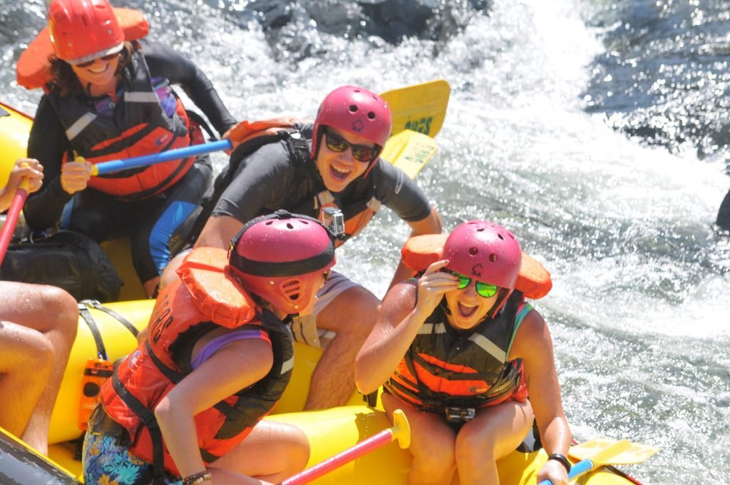 7 Reasons You Need to Go Whitewater Rafting Right Now