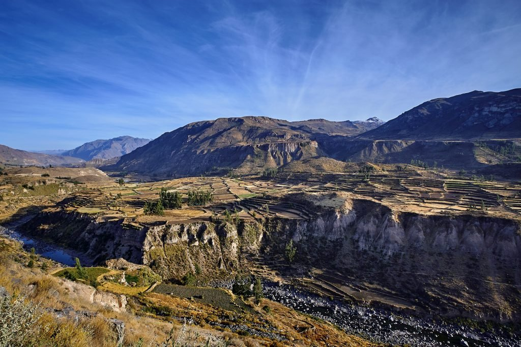 10 Must-Do Peru Adventures That Aren't Machu Picchu | Hike the Colca Canyon | Photo: Pedro Sezkeley / FlickrCommons