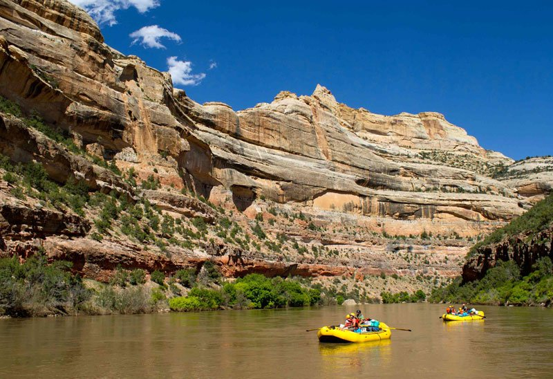 Family adventure vacation for single parents | Yampa River rafting